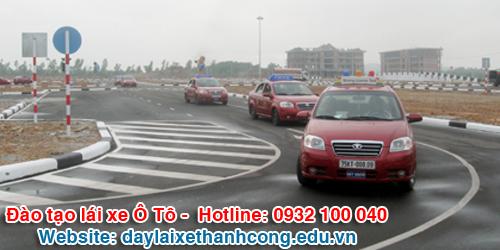 Xe học thực hành dạy lái xe Thành Công