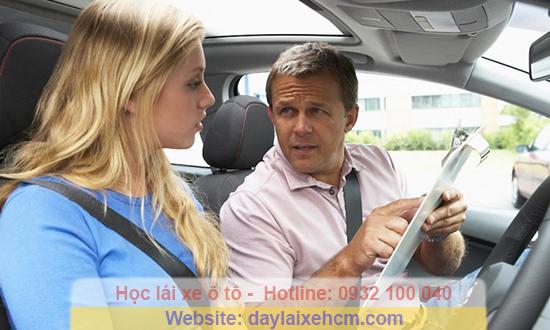 Học lái xe ở nước ngoài khó hay dễ hơn ở Việt Nam?